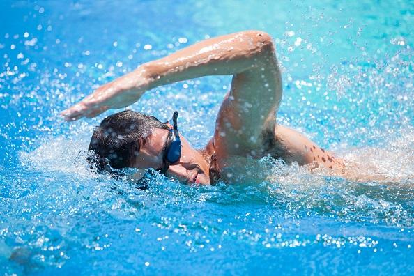 Natación, deporte saludable para todo el mundo