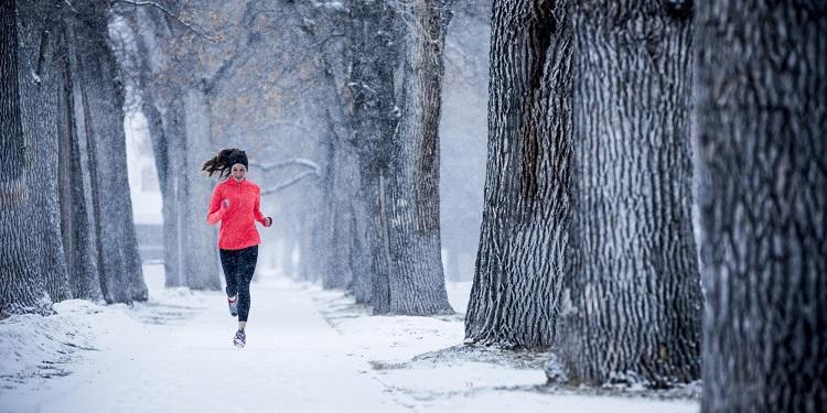 Consejos para no pasar frío corriendo en invierno